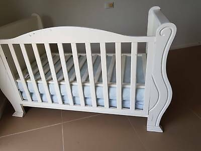 True sleigh cot. white, convertible to day bed. Great condition