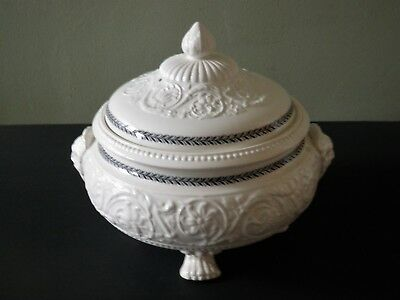 Wedgwood  Patrician Vegetable Tureen - Paw Feet / Face Handle / Black Leaf Trim