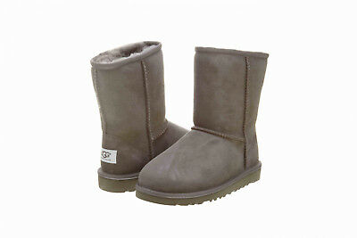 2d2498ae7aa KIDS UGG AUSTRALIA Classic Short Boot 5251K Grey Suede 100% Original Brand  New
