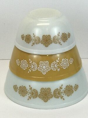 Vintage PYREX Set of 3 Nesting Mixing Bowls Butterfly Gold 402 403 404 Flowers