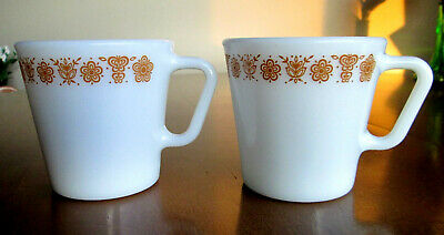 2 Vintage Pyrex Butterfly Farmhouse Kitchen Gold Coffee Mugs / Tea Cups