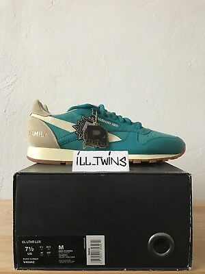 REEBOK CLASSIC LEATHER Denim 30th Anniversary Edition VNDS 9.5 - EUR ... 617ea50b1