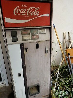 Vintage Coke Coca Cola Machine