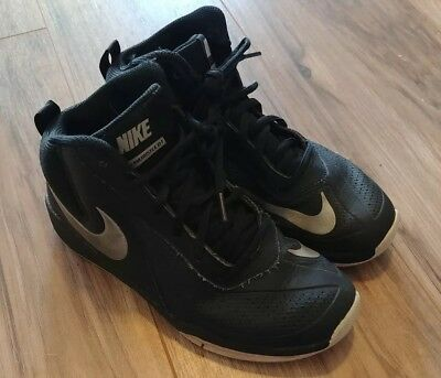 size 40 9492a 28852 Nike Team Hustle D7 Black Size 5 Youth High Top Basketball Shoes
