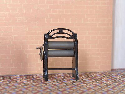 Mangle With Turning Handle, Dolls House Miniature, Miniatures, 1.12th Scale
