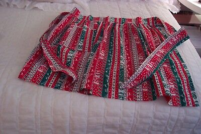 Vintage Christmas Half Apron - One Pocket - Adorable 1970's - Great Condition!