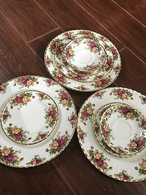Old Country Roses Royal Albert (Dinner, Salad, Dessert, And Saucer Plates)
