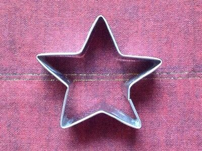Vintage Metal Cookie Cutter - Small Star