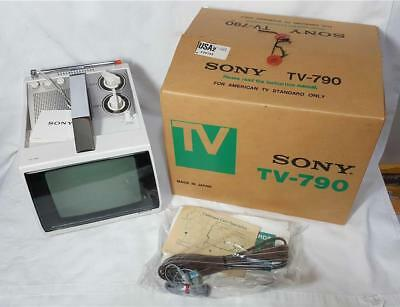 """Vintage Sony TV-790 B&W Solid State AC/DC 7"""" Transistor TV 1979 NEW in Box"""