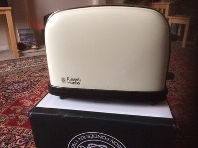 Russell Hobbs 23334 Colour Plus 2-Slice Toaster Cream