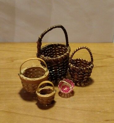 Lot Of Five Tiny Miniature Small Baskets Dollhouse