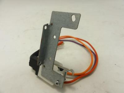 155352 Used, Honeywell 220736A Internal Auxiliary Switch, 7.2/3.6A, 120/240V