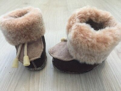 Brand New Sheepskin Baby Winter Booties Pram Shoes from Iceland 0-6 Months
