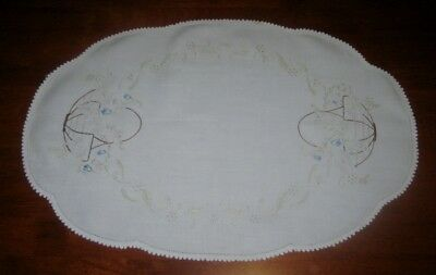 Vintage Hand Embroidered Centre Piece/doily~Flower Baskets~Crocheted Edge~Cotton