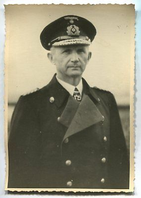 German Wwii Archive Photo: Kriegsmarine Admiral With Knight's Cross, Name
