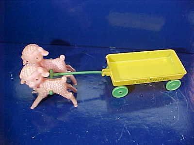 Orig 1950s EASTER ROSBRO Plastic LAMBS w WAGON Easter Express CANDY CONTAINER