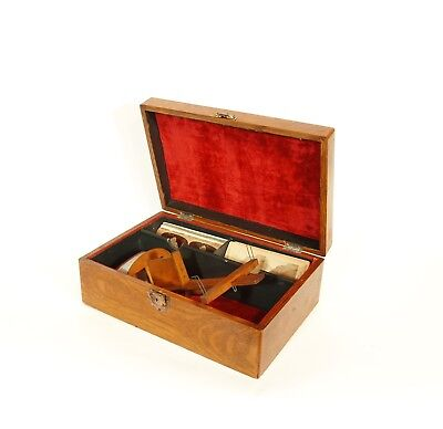 1896 Davis Stereoscope w/Cabinet & Cards * Stereo Viewer & Case Are Velvet-Lined