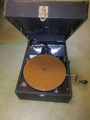 antique RCA portable 78 RPM phonograph - Plays great - spare needles - record