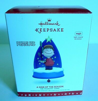 "2016 Hallmark Keepsake Ornament ""A Sign of the Season"" Peanuts Magic MIB"