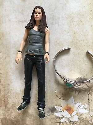 Twilight New Moon Bella Swan Edward Cullen Neca Puppe und Armband
