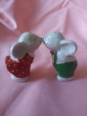 Vintage Kissing Christmas Mice Ceramic Salt & Pepper Shakers Cute for Holidays!!