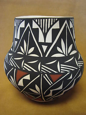 Native American Acoma Pot Hand Painted by Concho PT0082