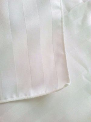 """Bright white shadow striped polyester Damask design tablecloth 60"""" x 101"""" vtg"""