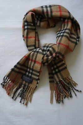 Burberrys Classic Cashmere Check Scarf with Fringe
