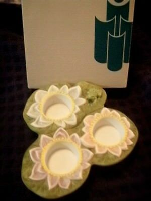 Partylite P7150 Pond Lily New In Box With Little Frog, Holds 3 Candle Holder