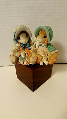 1998~Enesco ~ My Blushing Bunnies ~ Blessings Multiply When Shared ~ Nice L@@K