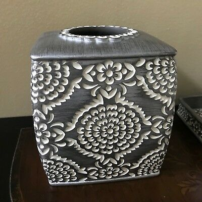 Cozumel Silver Carved Resin Tissue box Bathroom Accessory Set Modern