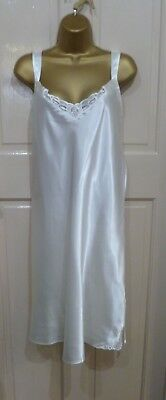 Vintage Style Collection Cream Slithery Liquid Satin Full Slip Pretty Lace Sz 20