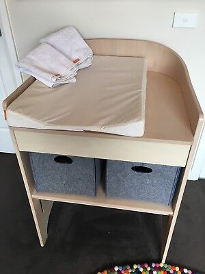 Leander Changing Table & Pad - White Wash (W/ 2 CustomFelt Boxes & 2 Towels)