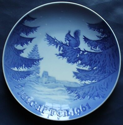 1961 Bing & Grondahl ~ Winter Harmony Christmas annual plate squirrel pine tree