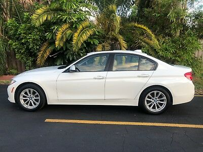 2017 BMW 3-Series 320i LUXURY 2017 BMW 320i 2.0L Turbo ALPINE WHITE / VENETO BEIGE INTERIOR AMAZING CONDITION