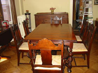 ANTIQUE VINTAGE DINING ROOM TABLE AND 6 CHAIRS SET WITH LEAF. Pick up only