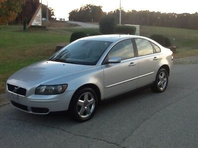 """2005 Volvo S40 T5 all wheel drive package """"RARE"""" 05 VOLVO S40-T5-AWD-6 SPD. MANUAL TRANSMISSION, RINS AND DRIVES PERFECT"""