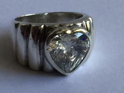 Vintage 925 Sterling Silver Heart Cut C Z Ribbed Design Ring Size 6