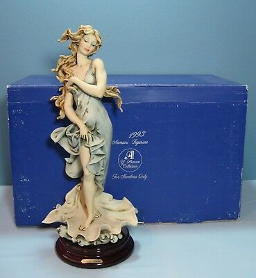 Giueseppe Armani Venus on Seashell Signed, Retired 1993 Members Only 881-C w/Box