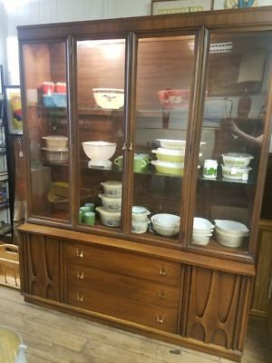 Broyhill Brasilia II  Credenza and lighted hutch top