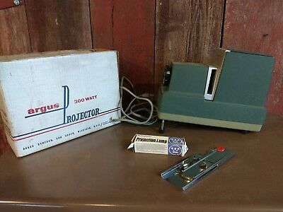 Vintage Argus 300 Slide Projector with original box 1960's Made in USA
