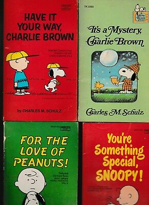 "Lot Of 7  Charles M. Schulz Paper Backs Snoopy,charlie Brown-""l@@k"""