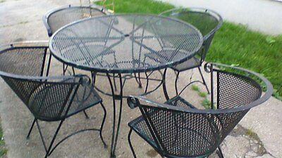 Rare Antique 5 Piece Scrolled Wrought Iron Outdoor Patio Furniture Set