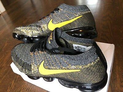 NIKE Air Vapormax Flyknit Black/Gold Mens US 10 New in Box with Yeezy Keychain