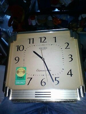 LOVELY RETRO Vintage gold SEIKO plastic QUARTZ WALL Clock,made in Japan see info