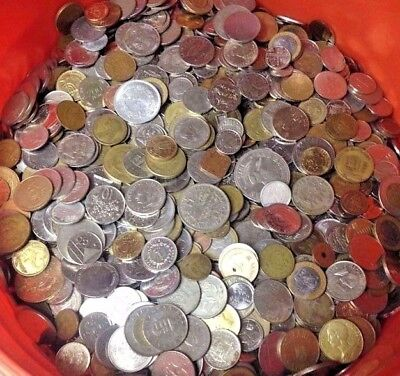 Mixed Bulk Lot of 100 Assorted World/Foreign Coins! Nice Assortment! Great Gift!