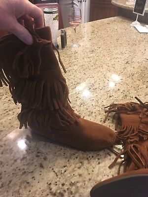 Minnetonka Moccasin Brown 3 Tier Fringe Pull On Boots Women's Size 9 EUC
