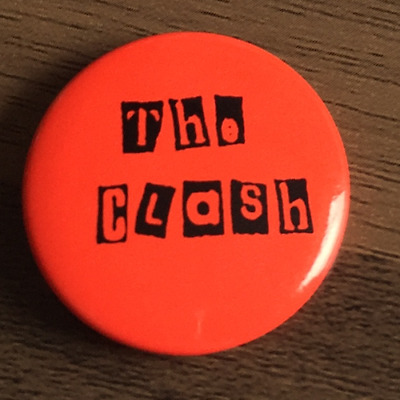 THE CLASH  BUTTON BADGE UK PUNK ROCK BAND - Clampdown, London Calling 25mm