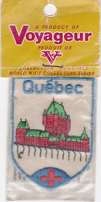 VINTAGE 1976 EMBROIDERED SOUVENIR PATCH WOVEN CLOTH SEW-ON BADGE Canada