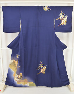 Vintage Japanese Ladies' Navy Silk 'Gold Carriage & Flower' Kimono/Robe/Coat MED